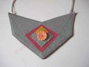 Grey felt bib necklace © Original Minnie